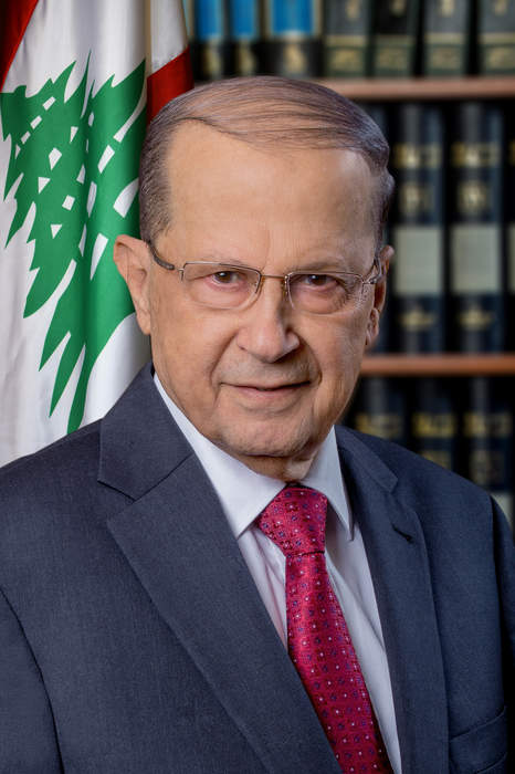 Aoun says Lebanese government must include politicians, urges protesters to go home