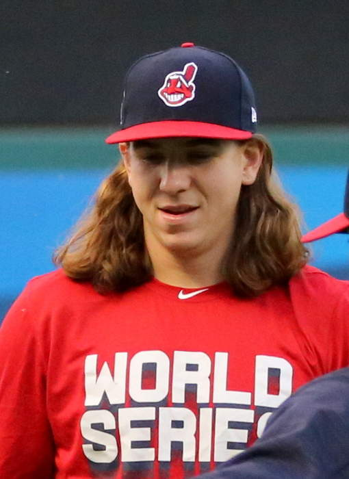 Padres going all in: San Diego lands starter Mike Clevinger in trade with Indians