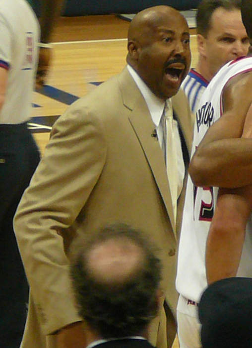 Indiana to hire current New York Knicks assistant and former Hoosiers star Mike Woodson new head coach