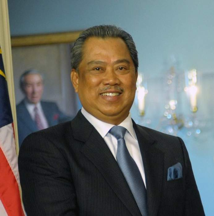 Malaysia PM paves way for year-end snap poll: report