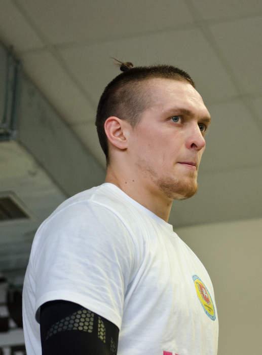 Oleksandr Usyk v Derek Chisora: Who will win?