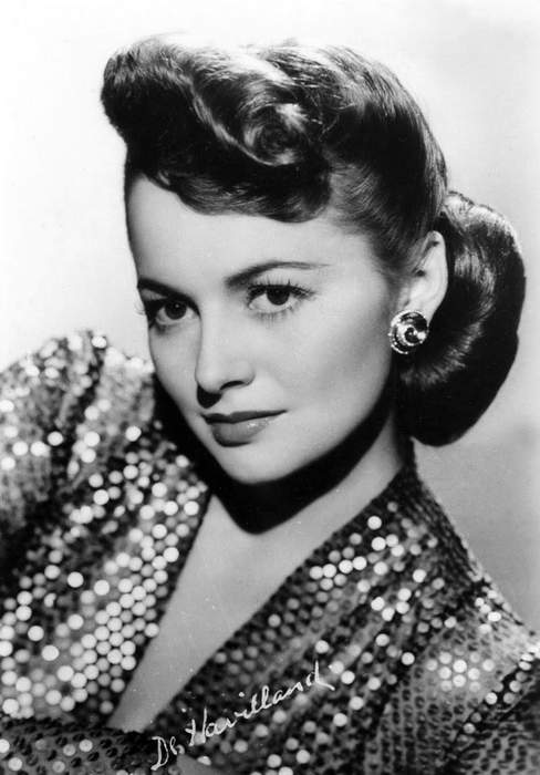 Olivia de Havilland, 'Gone With the Wind' actress and Hollywood royalty, dies at 104