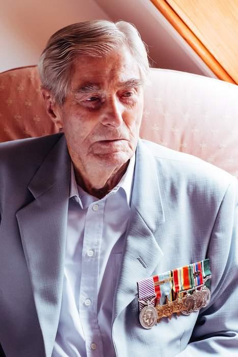 Battle of Britain ace fighter pilot Paul Farnes dies aged 101