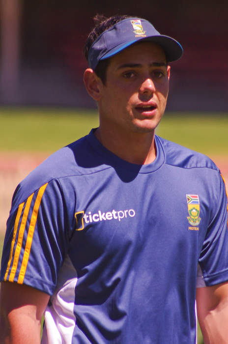 De Kock steers Brave to crucial Superchargers win