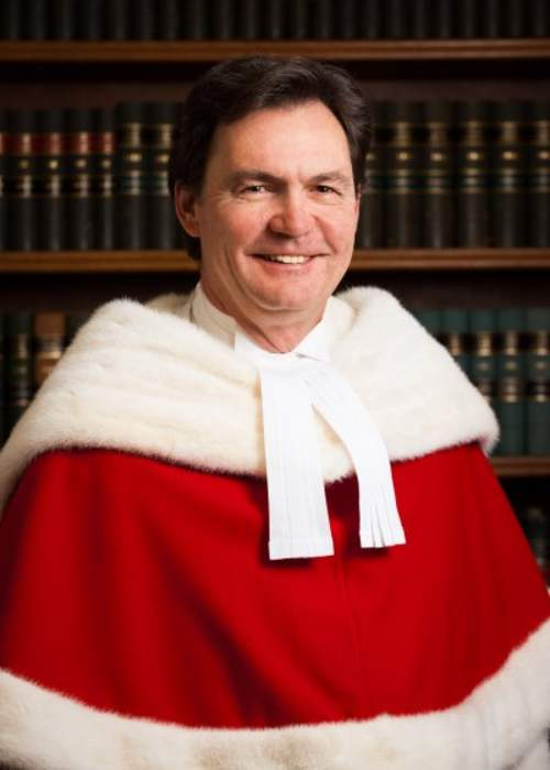 Six months after former GG Payette's resignation, chief justice still juggling two jobs