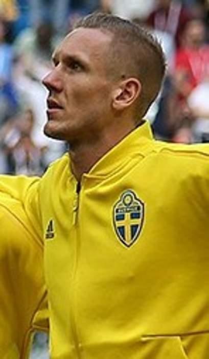 Everton goalkeeper Robin Olsen threatened by armed intruders
