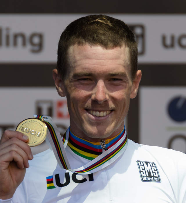 Road World Championships: Rohan Dennis defends emotional world time trial title