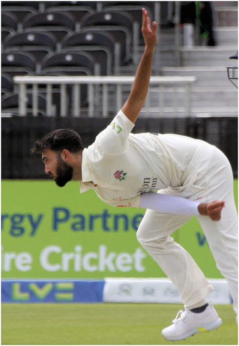 England v Pakistan: Saqib Mahmood takes 4-42 as new-look hosts thrash tourists by nine wickets