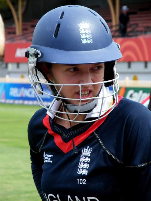 Sarah Taylor: Northern Diamonds bring ex-England wicketkeeper out of retirement