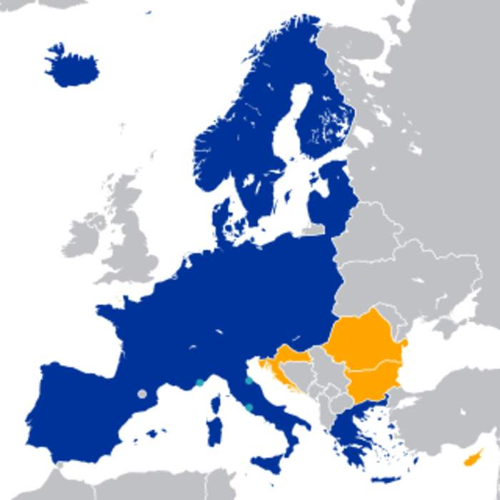 Spain brings forward border opening for Schengen countries to June 21