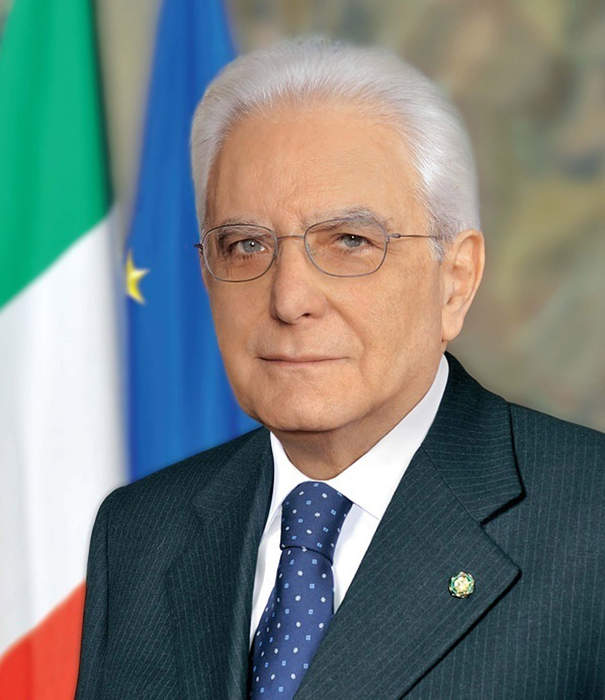 Italy president begins talks to seek way out of government crisis