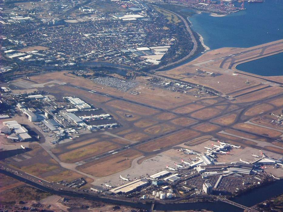 Sydney Airport losses deepen as NSW outbreak grounds travel
