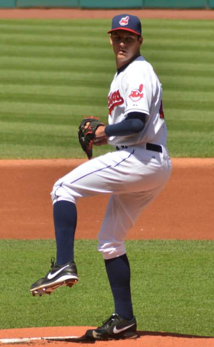 MLB extends Trevor Bauer's leave another week after judge rescinds restraining order