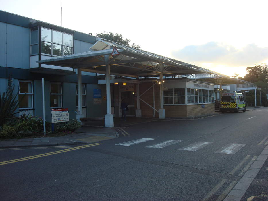 West Suffolk Hospital: Directors due to step down after 'witch-hunt'