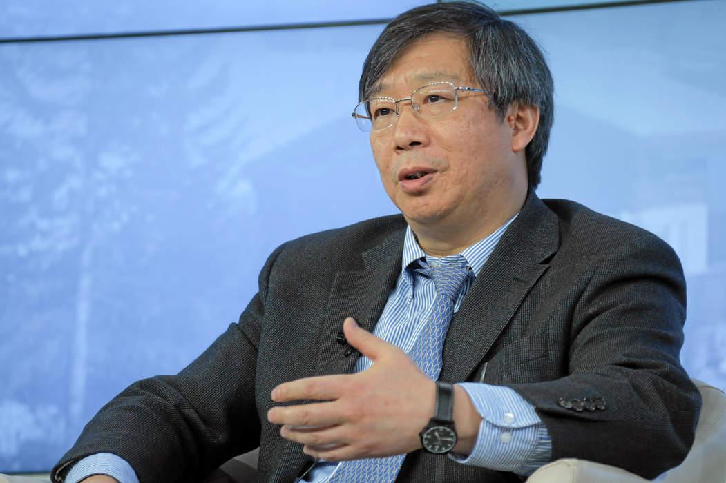 U.S., China trade talks on positive track: PBOC's Yi
