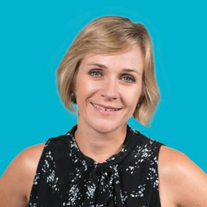 Zali Steggall surfs wave of support for bid to ban offshore drilling