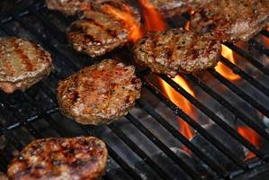Eating red meat may increase risk of breast cancer in women