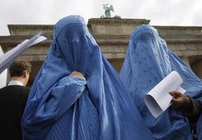 german party lifts requirement for muslim students to visit concentration camps