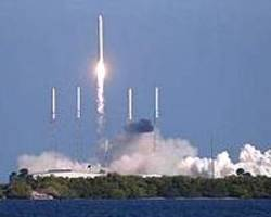 SpaceX cleared for US military launches