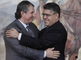 Venezuela, Russia's Rosneft agree on $14 billion oil, gas investment