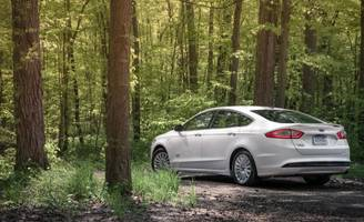 ford offers to license its hybrid and electric vehicle patents to other automakers