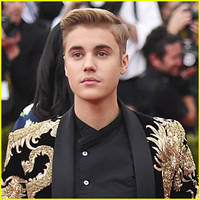 Justin Bieber Slams Made Up Stories About Him & Selena Gomez