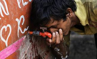 Over 1,800 dead in India heat wave amid water shortages