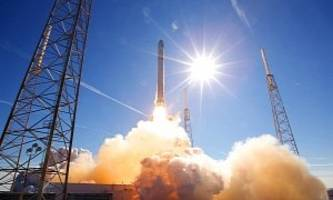Elon Musk's SpaceX Rocket Explodes on Mission to Resupply the Space Station - Video