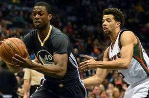 Warriors' Harrison Barnes plays pick up ball in Oakland