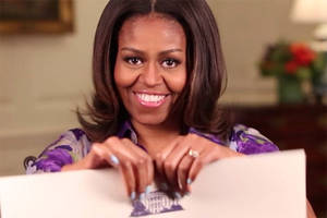 Michelle Obama says selfies OK at the White House