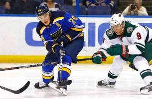 Blues trade Oshie to Capitals for Brouwer, Copley, draft pick