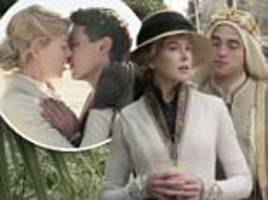 nicole kidman flirts with robert pattinson and others in a new queen of the desert trailer