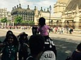 man and toddler parading isis flags outside parliament allowed to walk free