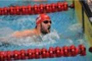 Paralympic gold medalist James Crisp visits Lincoln to help polio...