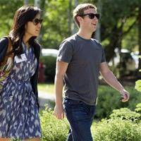 How Facebook Can 'Save' a Relationship