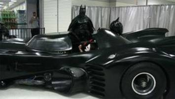 Batman has car trouble in Ontario