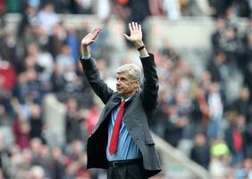 Wenger defends Arsenal approach