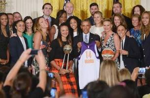 Obama honors Phoenix Mercury at White House for 2014 WNBA title