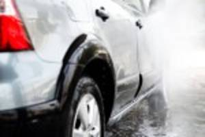 LA officials wash their cars two or three times a week during drought