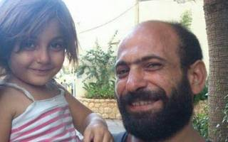 Syrian Refugee Whose Photo Went Viral Receives Enormous Help From Social Media