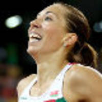 Arzamasova holds on for 800 metres world title