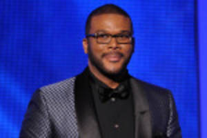 tyler perry drops $150k on nat king cole's piano
