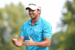 jason day finally put aside the pain to surge to top of barclays