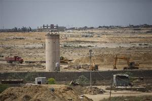 egypt starts dig on gaza border to stop smuggling tunnels