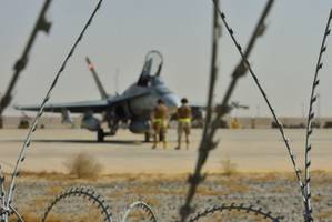 Harper signals intent to discuss next steps in fight against ISIS