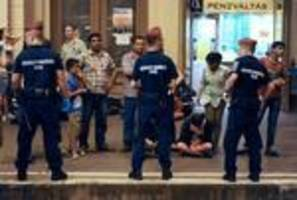 Main Budapest station orders evacuation due to migrants