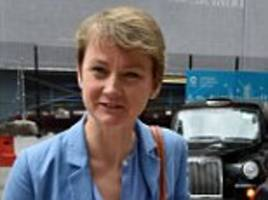 Yvette Cooper calls on David Cameron to accept 10,000 fleeing Syrians