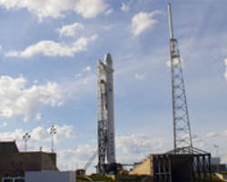 spacex delays next launch after blast