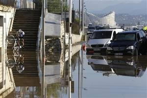 Flash floods on French Riviera kill at least 13