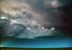 Storm chaser's mind-blowing photos of nature's terrible beauty